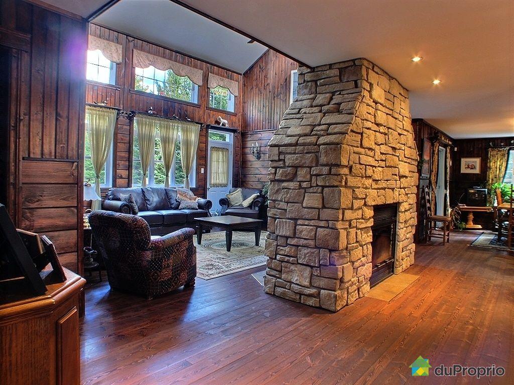 maison vendu st hippolyte immobilier qu bec duproprio 365936. Black Bedroom Furniture Sets. Home Design Ideas