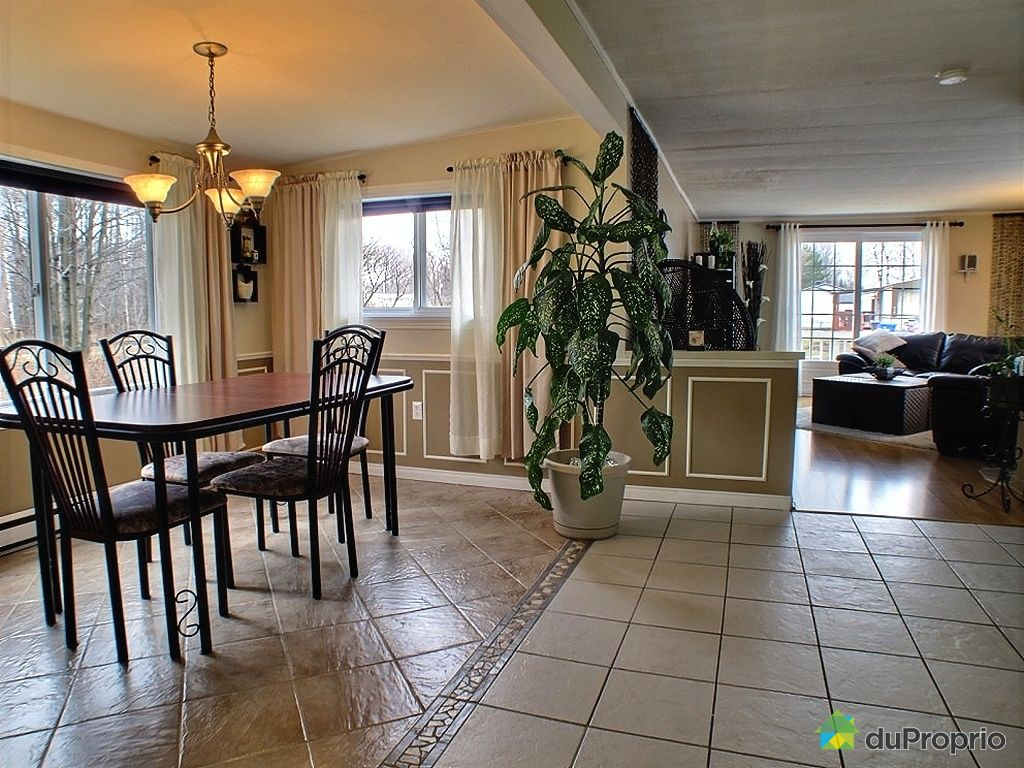 maison vendu contrecoeur immobilier qu bec duproprio 320837. Black Bedroom Furniture Sets. Home Design Ideas
