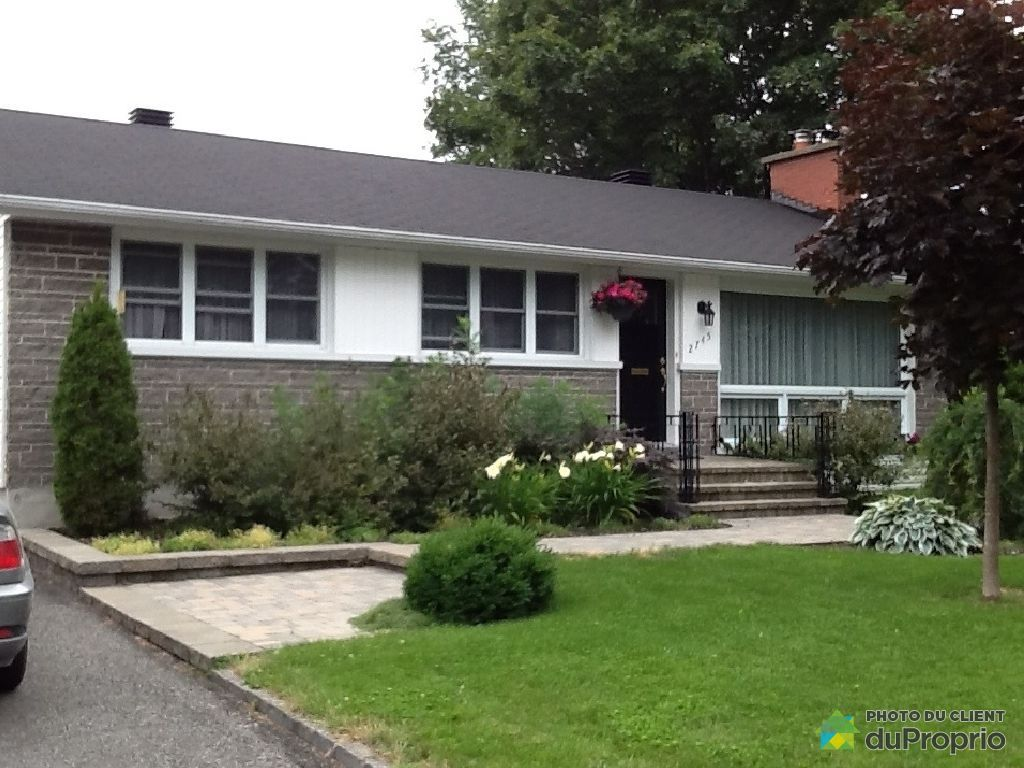 Maison vendre ste foy 2745 rue de montarville for Devant de maison paysager