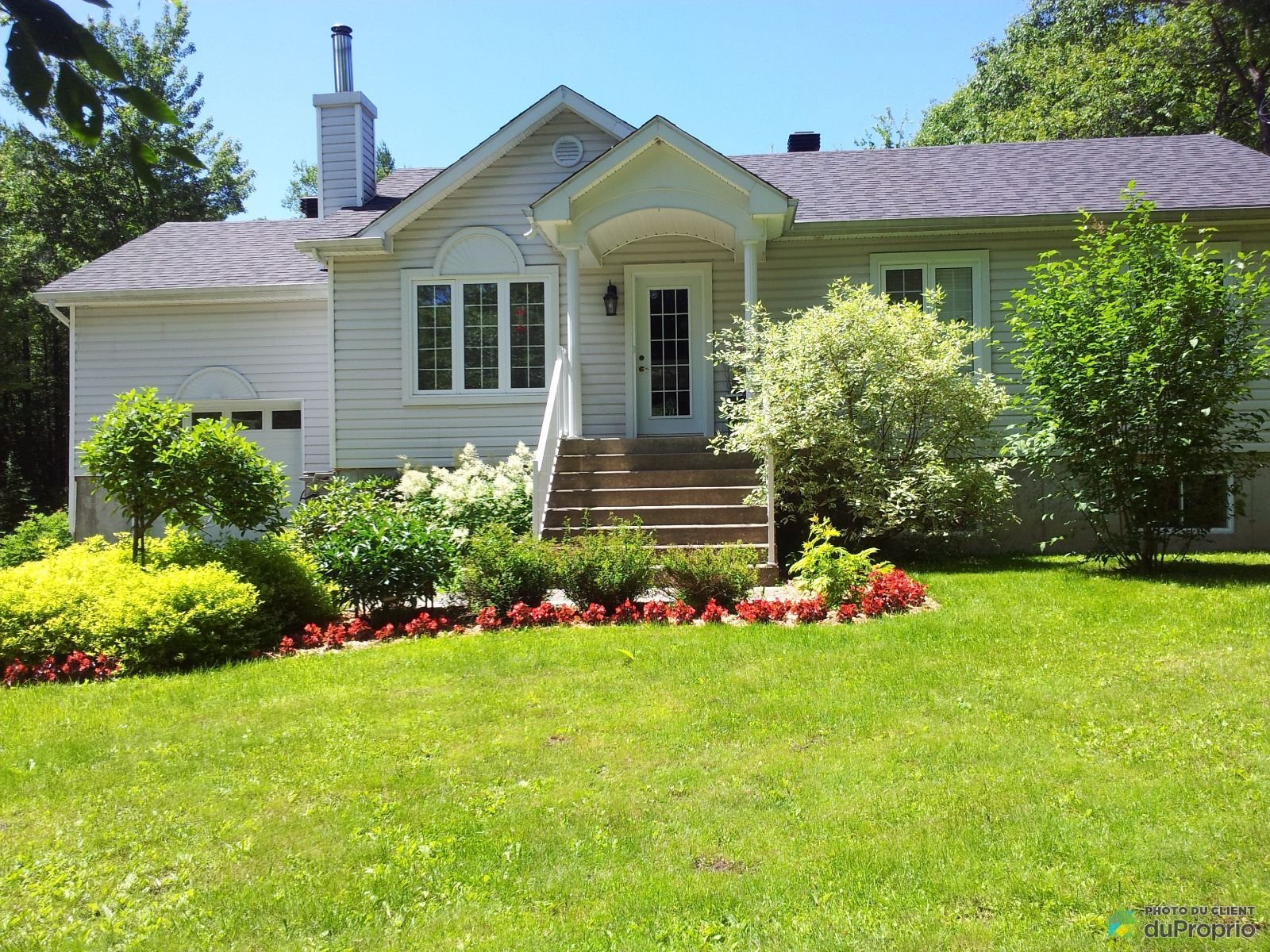 maison vendu st colomban immobilier qu bec duproprio 657704. Black Bedroom Furniture Sets. Home Design Ideas