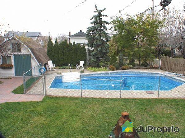 Maison vendu sorel tracy immobilier qu bec duproprio for Balayeuse piscine creusee