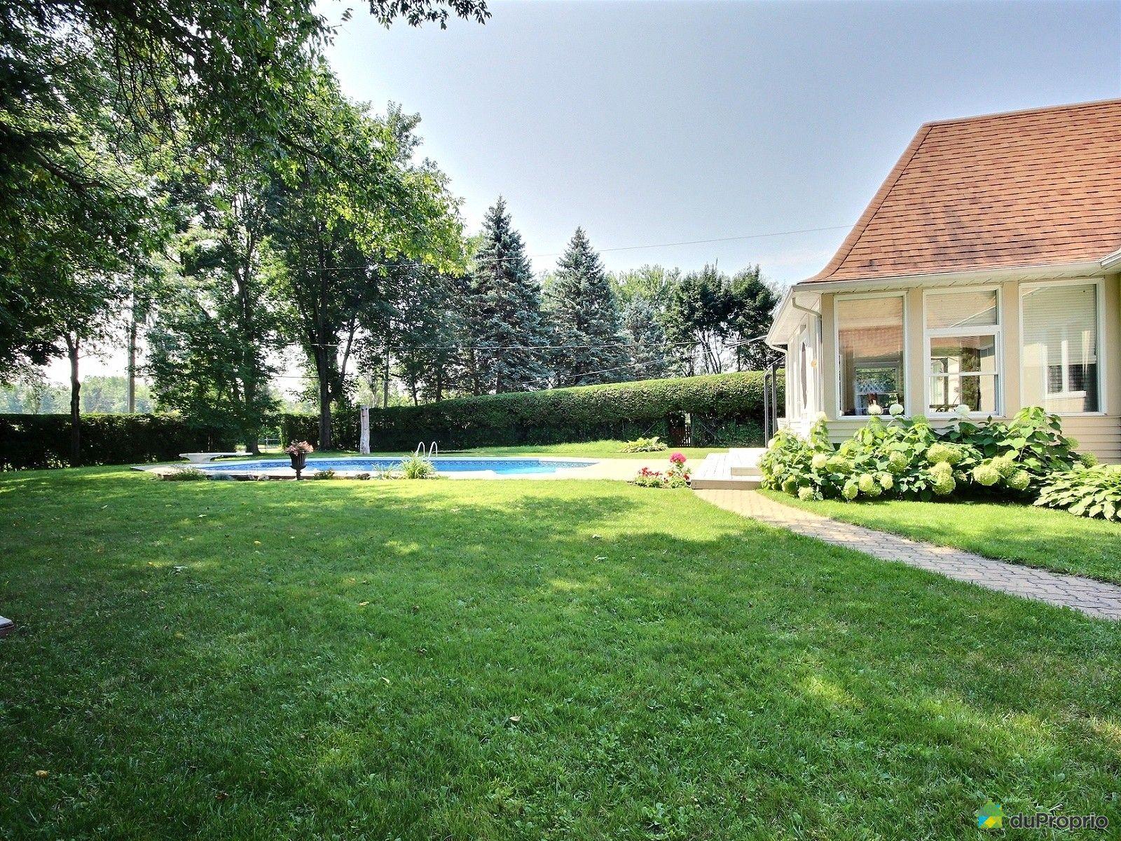 Maison vendre st bruno de montarville 620 rue croisille for Piscine radiant quebec