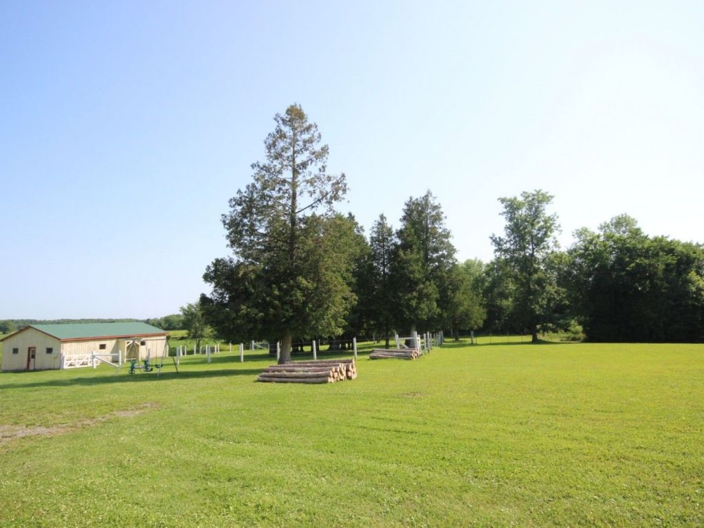 Acreage / Hobby Farm / Ranch for sale Glen Robertson, By Appointment