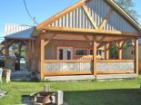 Bungalow in Golden, Rockies / Selkirk / Kootenays / Boundary