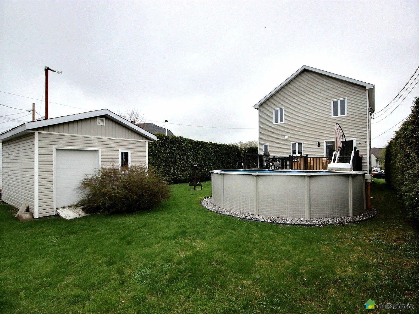 house for sale in st mile 1142 rue de ch teauneuf du pape duproprio 608384. Black Bedroom Furniture Sets. Home Design Ideas