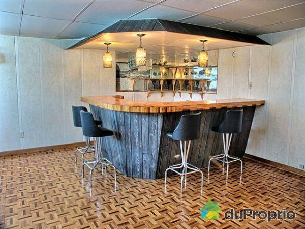 Idee de bar pour maison maison design for Bar sous sol maison
