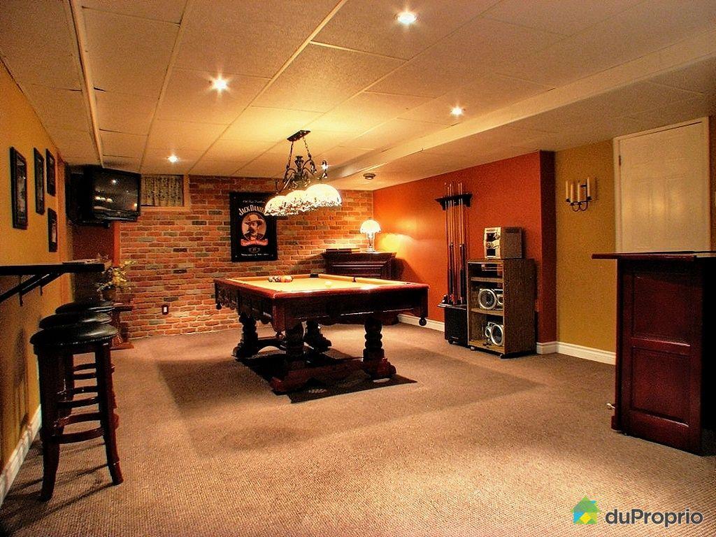 petit bar de salon bar de salon photos et ides dco de bars de salon petit salon petit bar de. Black Bedroom Furniture Sets. Home Design Ideas