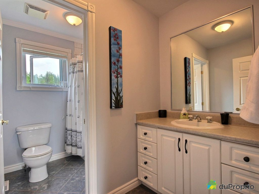 Notre dame bathroom accessories - Country Home For Sale Laurentides