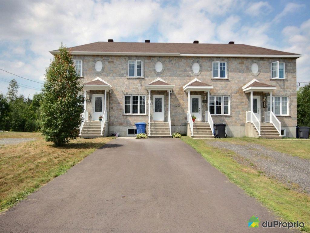 Maison vendre granby 481 rue j a nadeau immobilier for Achat de maison quebec
