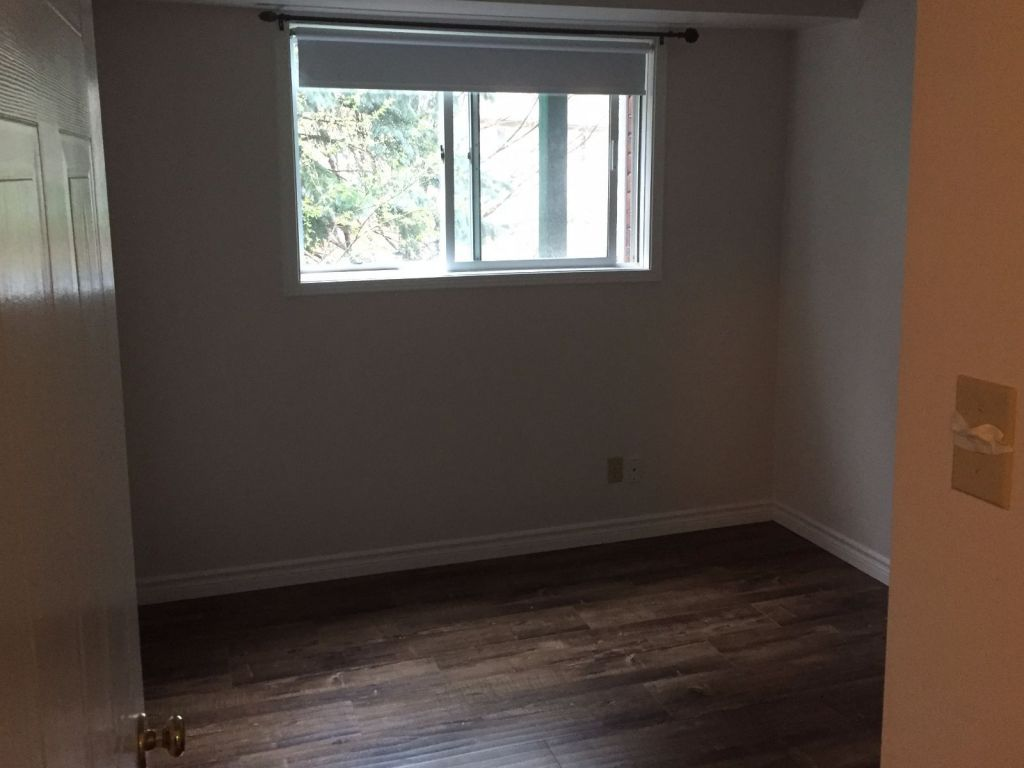 Laminate Flooring Kitchener 18 3085 Kingsway Drive Kitchener For Sale Comfree