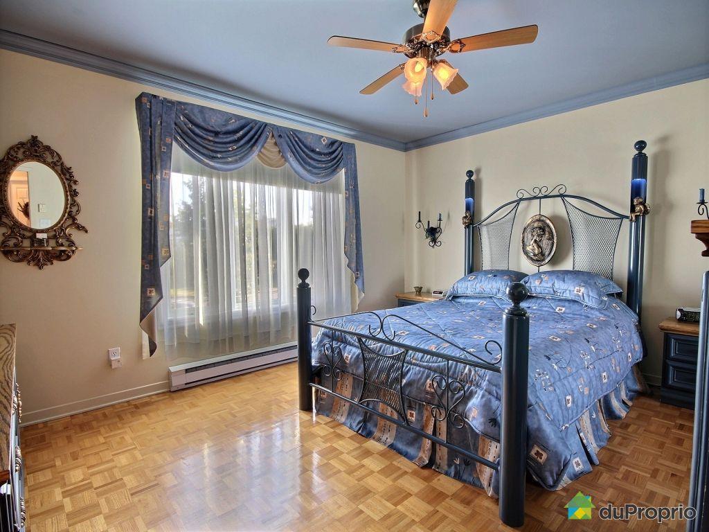Elegant bedroom with leclerc varennes for Leclerc varennes