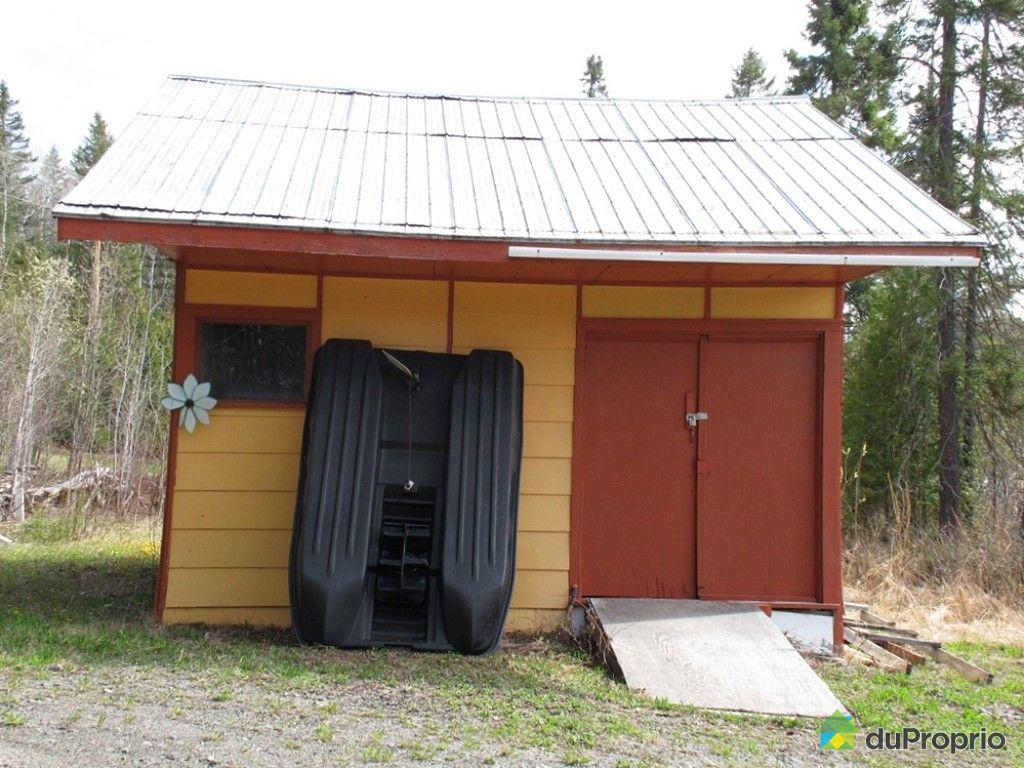 chalet vendu rimouski immobilier qu bec duproprio 610393. Black Bedroom Furniture Sets. Home Design Ideas