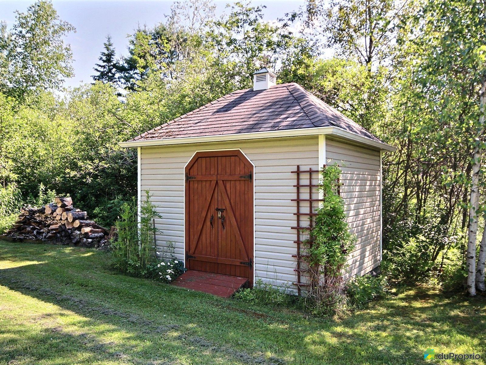 maison a vendre bord de l 39 eau lac lovering. Black Bedroom Furniture Sets. Home Design Ideas