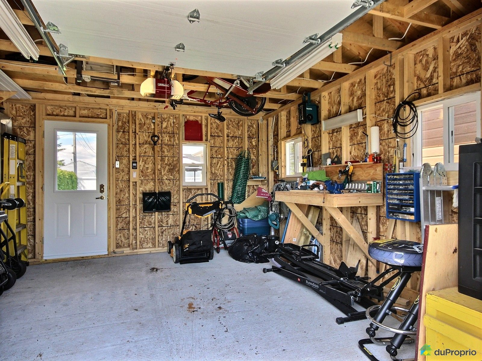 Maison vendre trois rivi res 1000 rue hasty immobilier for Cabanon maison