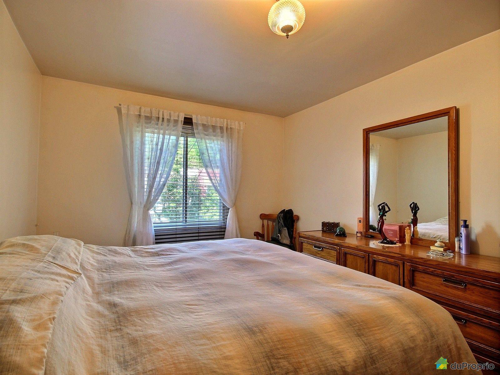 Maison vendre montr al 2126 rue wurtele immobilier for Chambre en ville cast