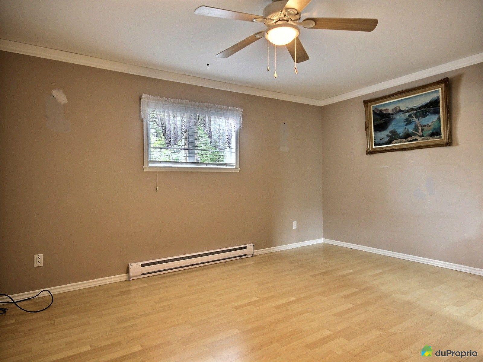 Maison vendre rock forest 1030 rue favreau immobilier for Acheter une maison a montreal sans interet