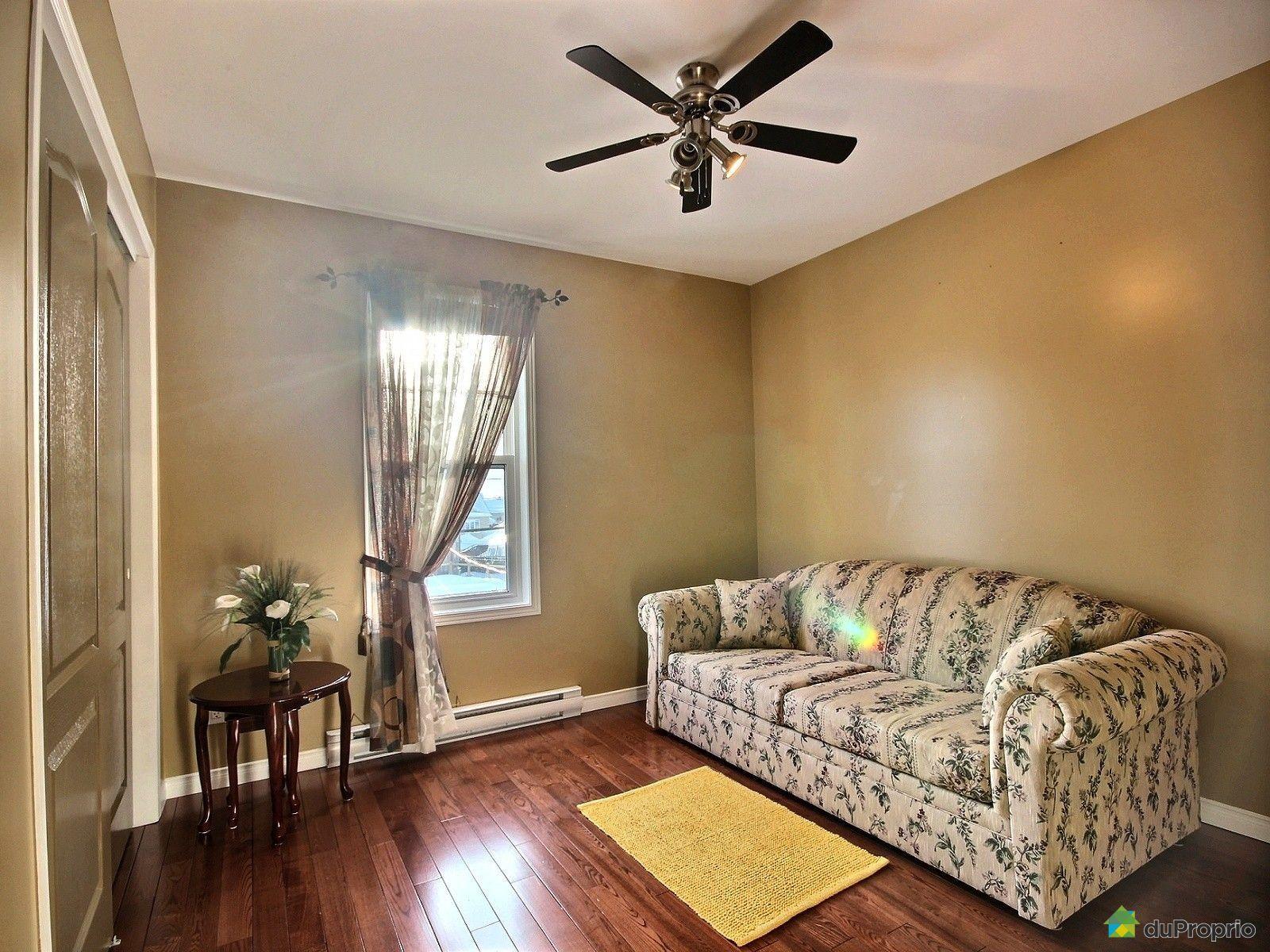jumel vendre breakeyville 160 avenue des arbrisseaux. Black Bedroom Furniture Sets. Home Design Ideas