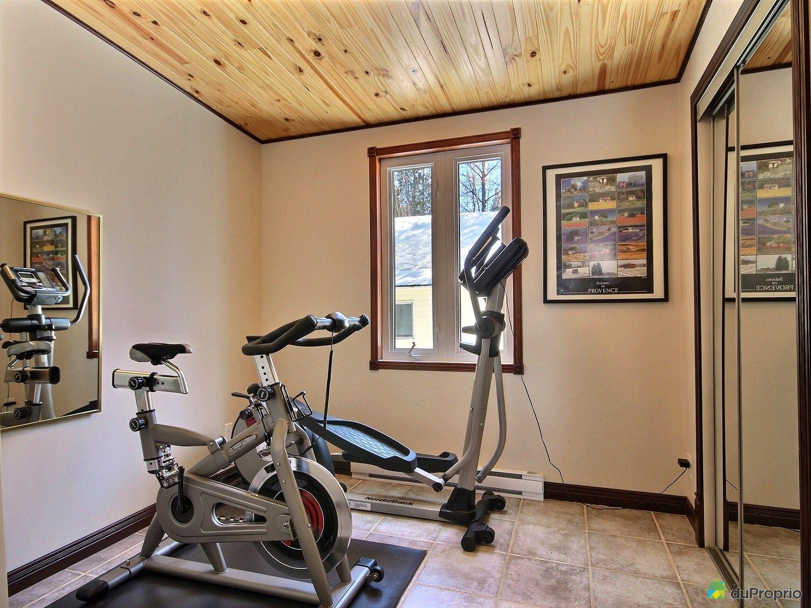 Maison vendre chicoutimi 2137 chemin des villas for Chambre de commerce chicoutimi