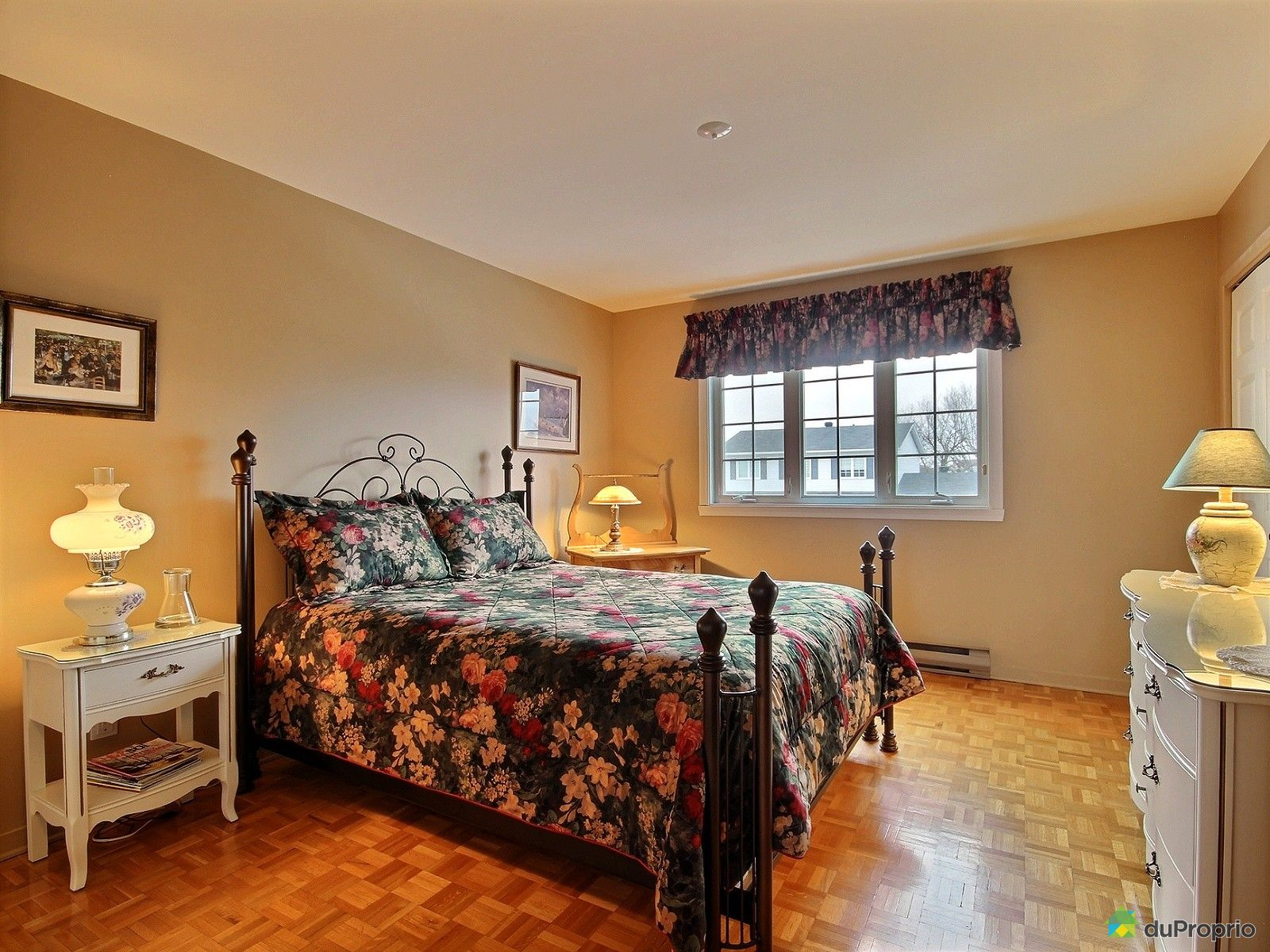 Maison vendre beloeil 1140 rue des pinsons immobilier for Chambre de commerce beloeil