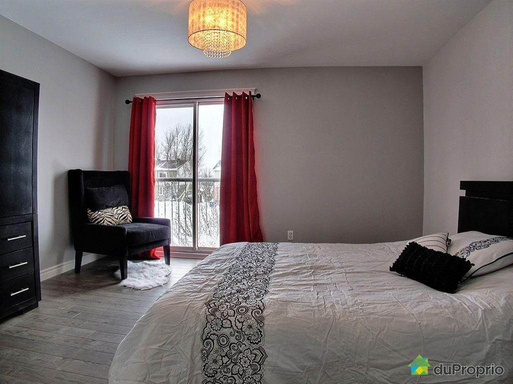 maison vendu trois rivi res immobilier qu bec duproprio 397786. Black Bedroom Furniture Sets. Home Design Ideas