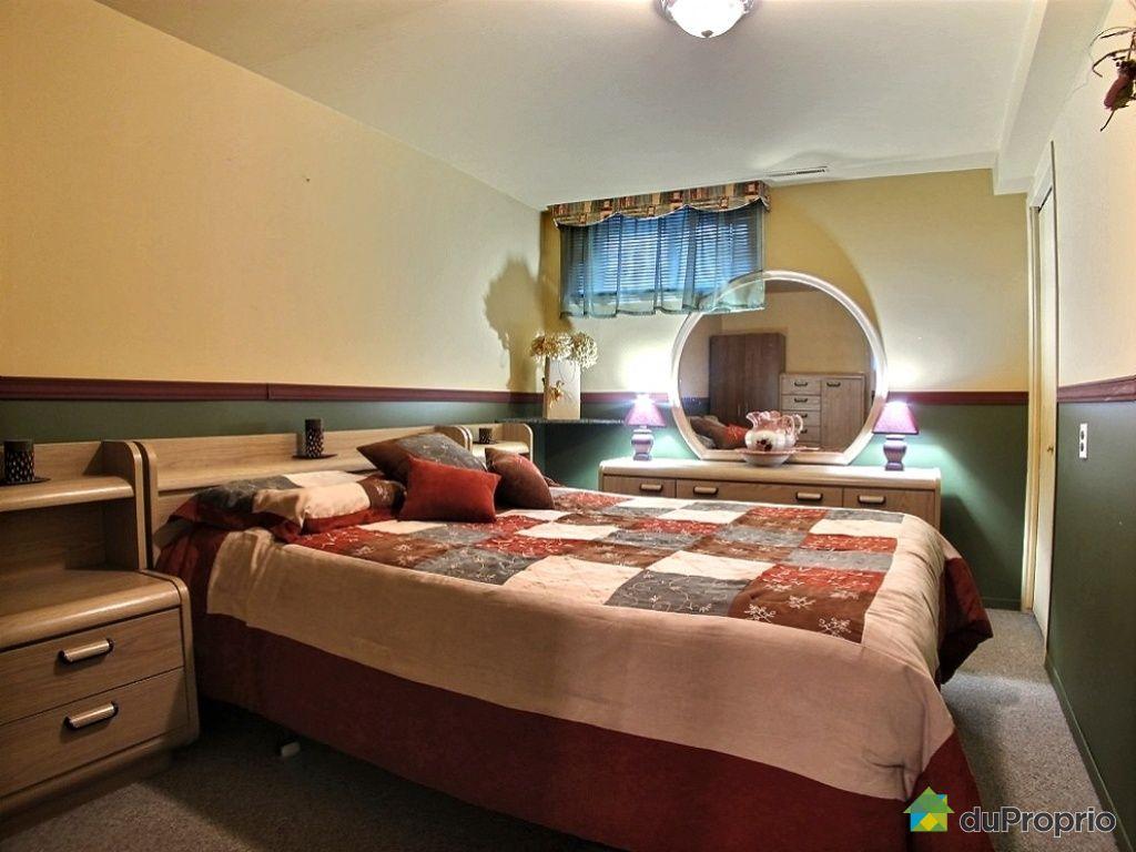 maison vendu jonqui re immobilier qu bec duproprio 468829. Black Bedroom Furniture Sets. Home Design Ideas
