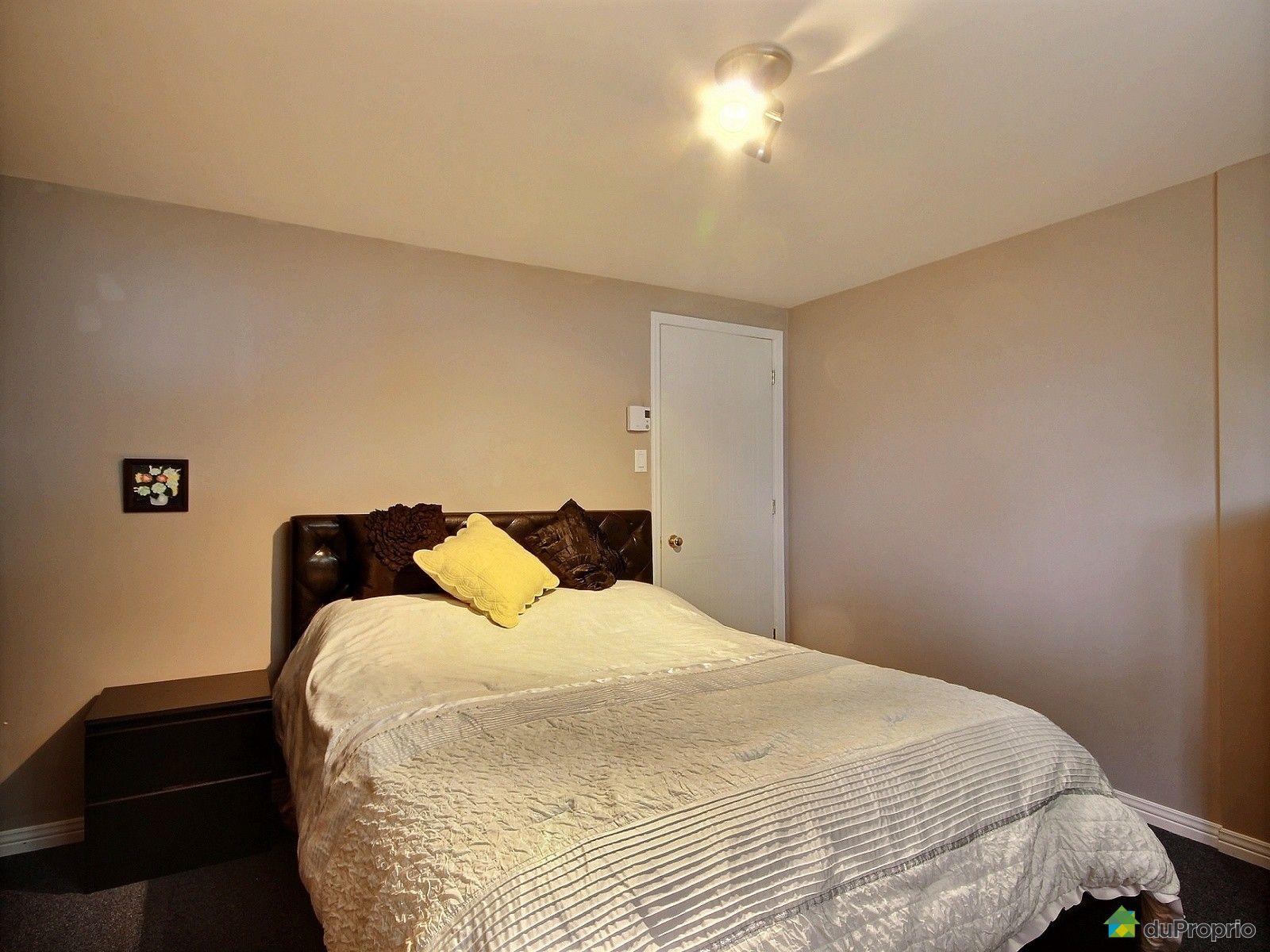 maison vendu ste julie immobilier qu bec duproprio 535614. Black Bedroom Furniture Sets. Home Design Ideas
