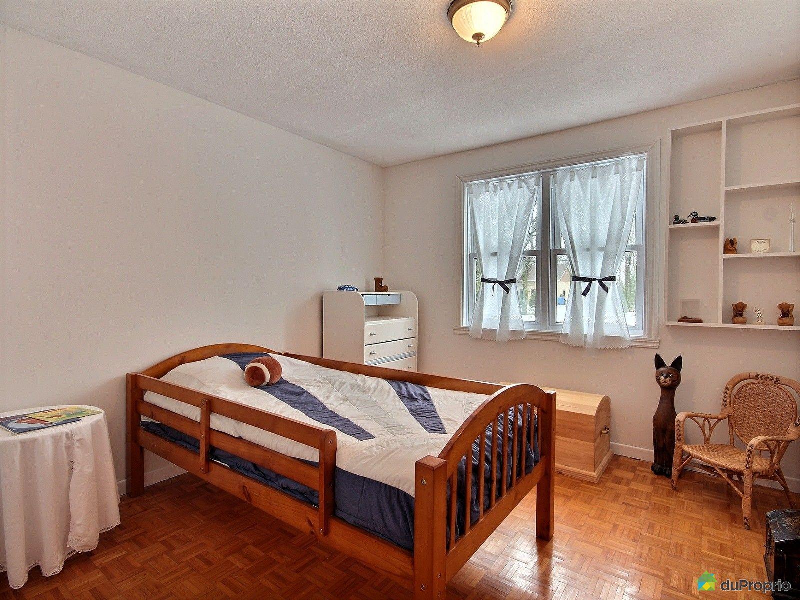 Maison vendre granby 726 rue chaput immobilier qu bec for Chambre commerce granby
