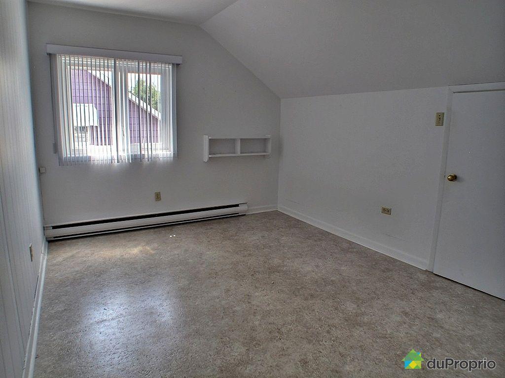 Maison vendu jonqui re immobilier qu bec duproprio 346798 for Immobilier chambre sans fenetre