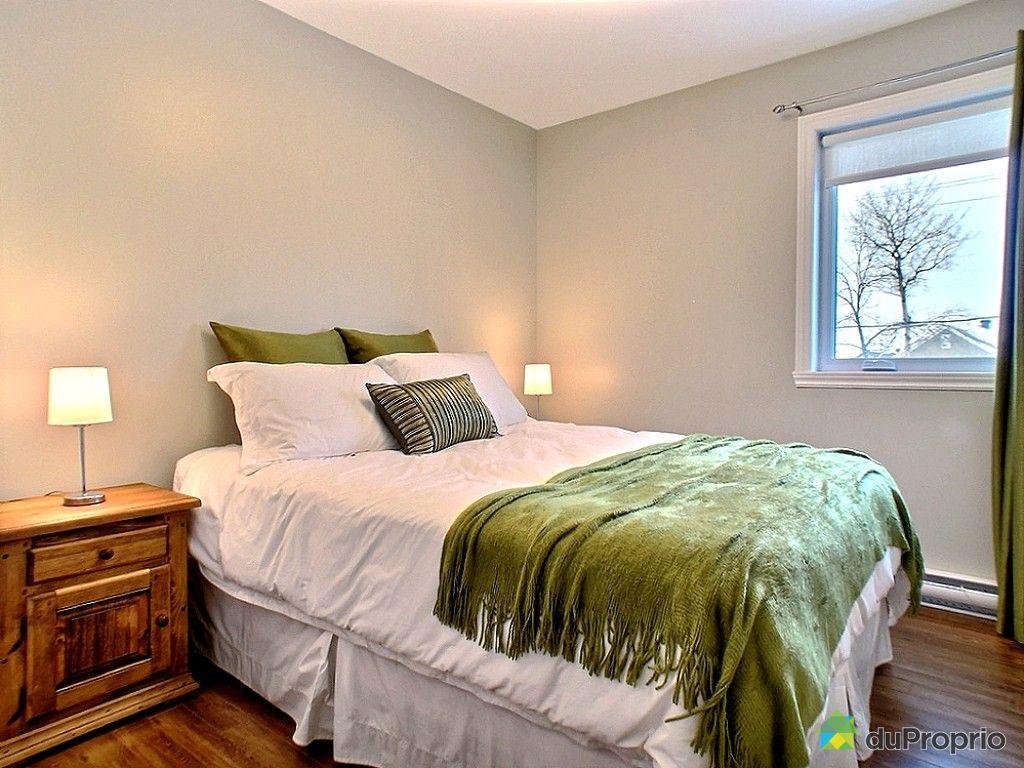 maison vendre rivi re du loup 1 rue des cheminots immobilier qu bec duproprio 571196. Black Bedroom Furniture Sets. Home Design Ideas