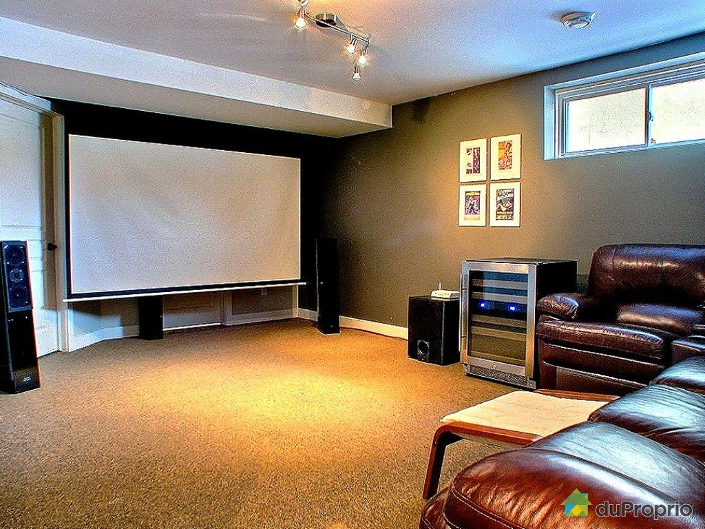 salle de cinema a la maison partir de dcoration de maison de thtre vous pouvez concevoir votre. Black Bedroom Furniture Sets. Home Design Ideas