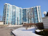 Condominium in Whitby, Toronto / York Region / Durham
