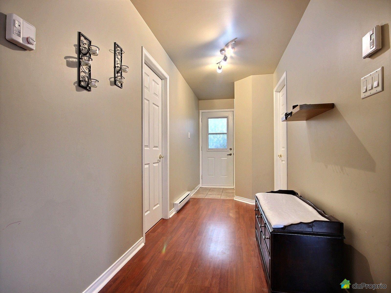 condo vendu ste brigitte de laval immobilier qu bec duproprio 531718. Black Bedroom Furniture Sets. Home Design Ideas