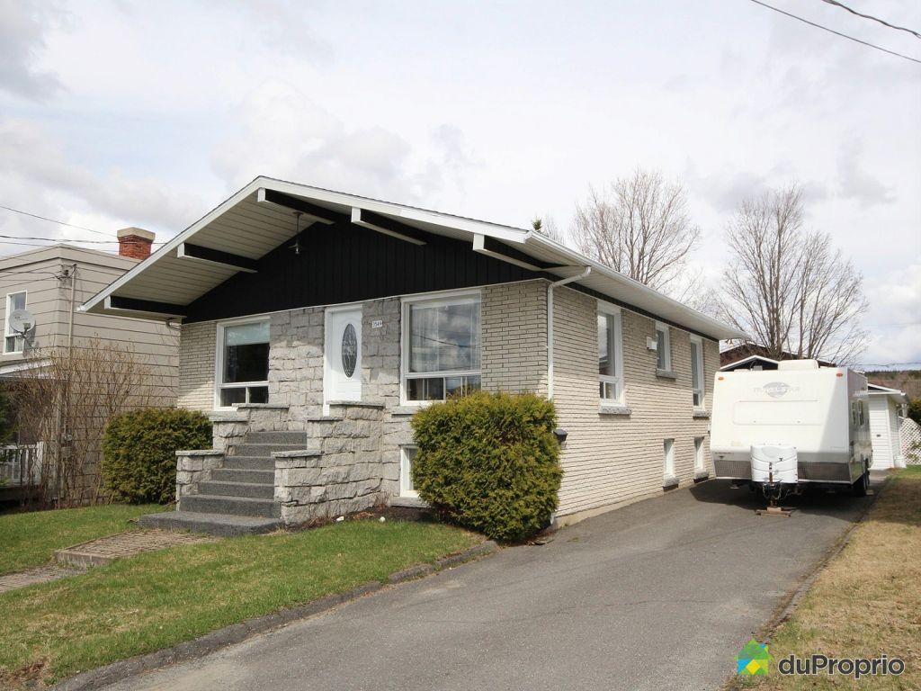 Maison a vendre a lac megantic proprietes etangs a for Acheter une maison au canada montreal