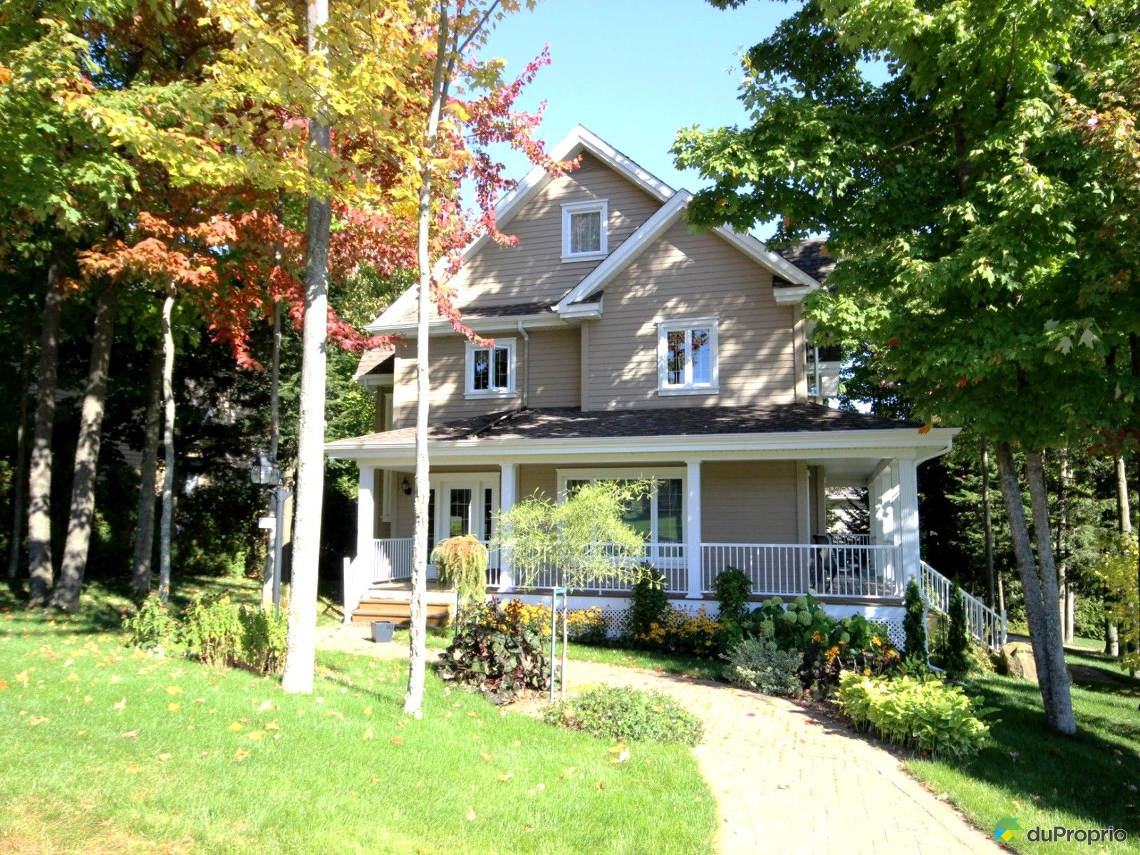 maison vendre rock forest 4869 rue viau immobilier. Black Bedroom Furniture Sets. Home Design Ideas