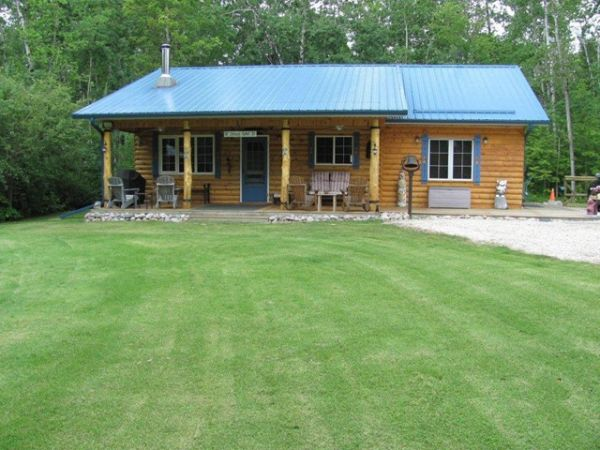 Cottage sold in lac du bonnet comfree 206099 for Cottage packages manitoba