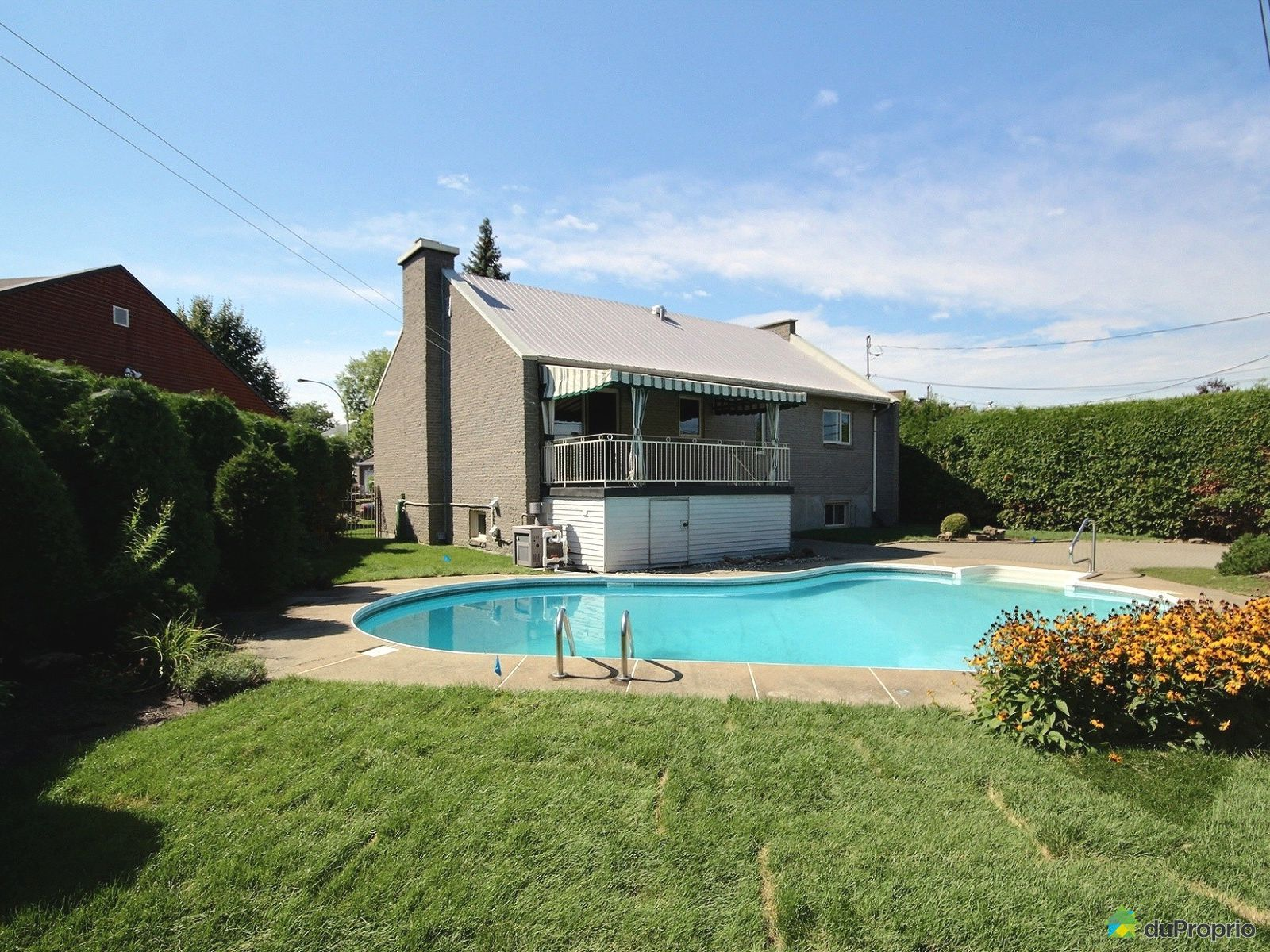 Maison vendre laval des rapides 455 rue claude melan on for College montmorency piscine