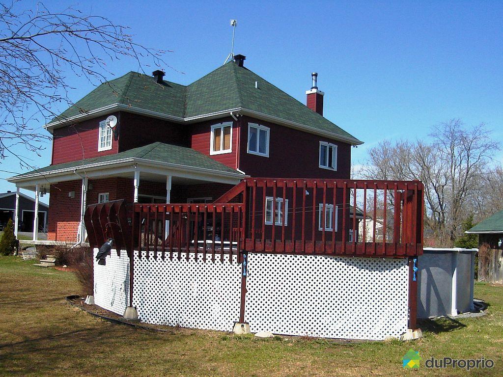 Maison vendre st liguori 604 rue du parc immobilier for Club piscine cabanon