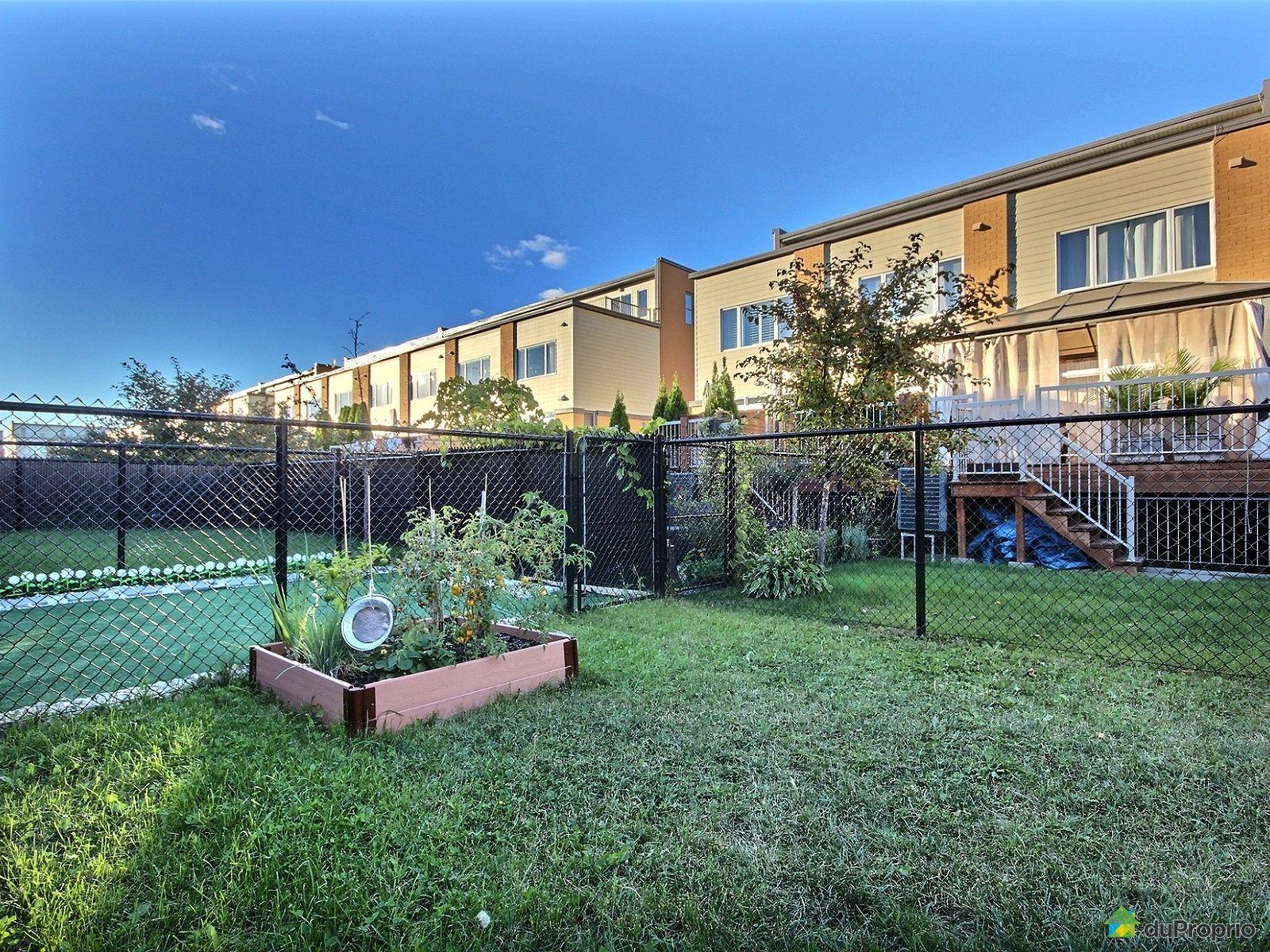Maison vendre montr al 5823 rue anne courtemanche for Piscine hochelaga