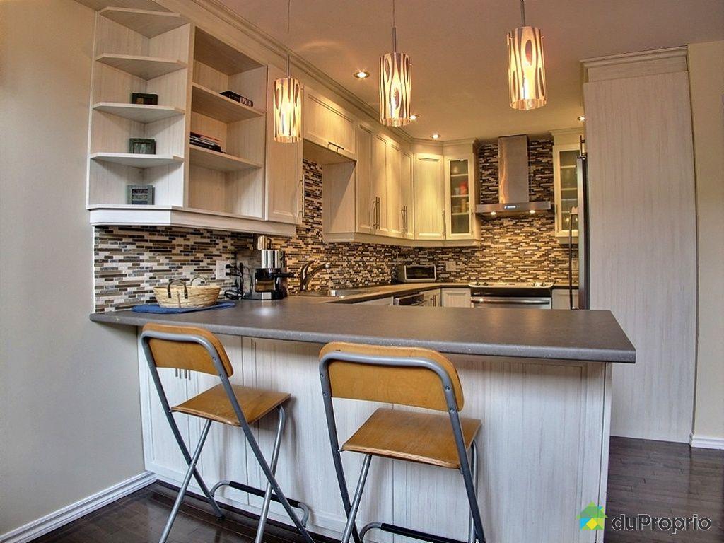 cuisine moderne chalet. Black Bedroom Furniture Sets. Home Design Ideas