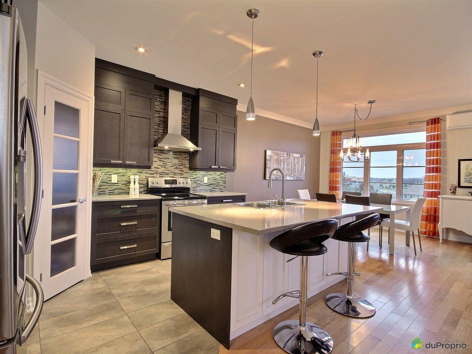 302 940 rue du violoneux bromont vendre duproprio for Cuisine 3d design bromont