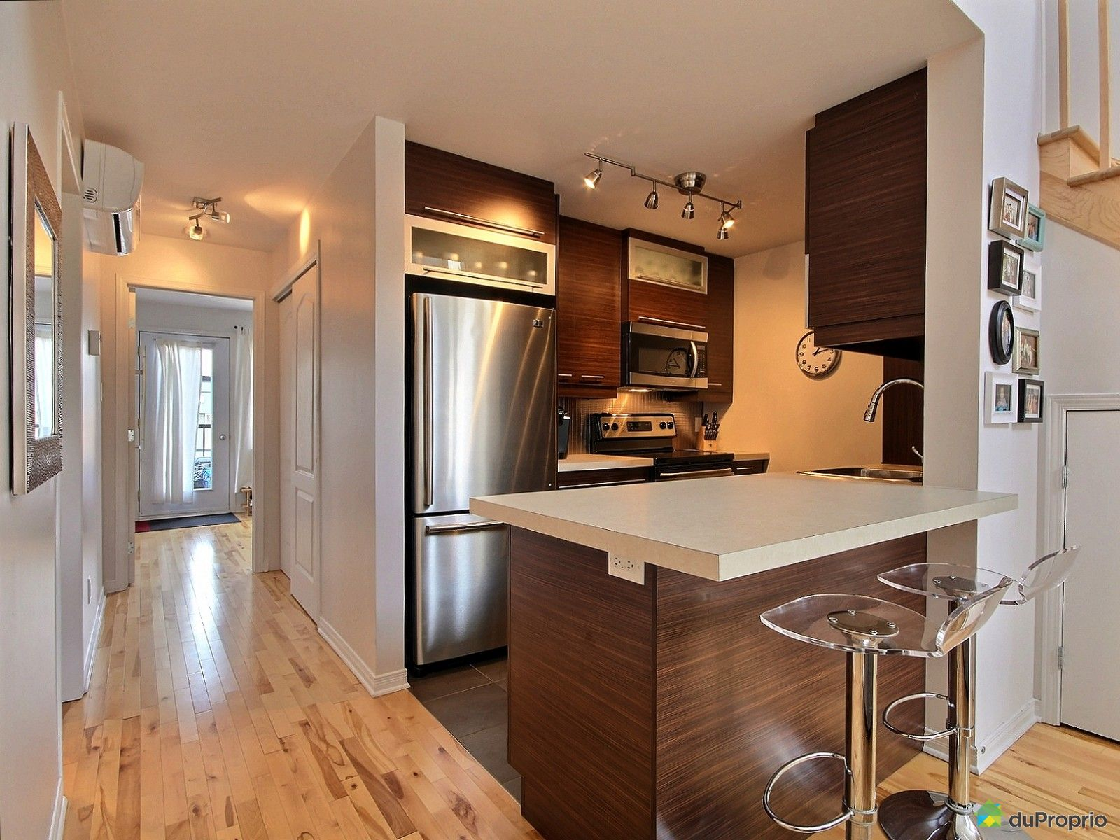 condo vendu montr al immobilier qu bec duproprio 515411. Black Bedroom Furniture Sets. Home Design Ideas