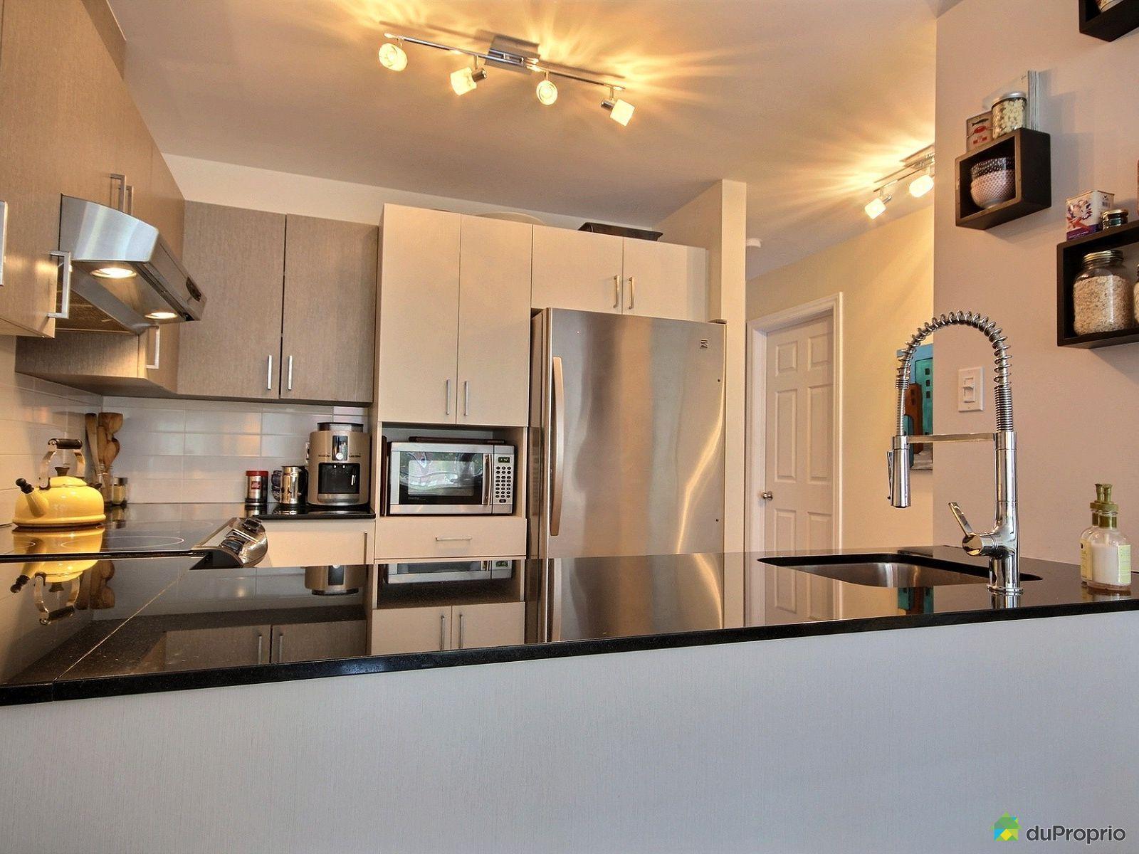 Condo vendre montr al 2 309 rue bourgeoys immobilier for Cuisine ouverte tard montreal