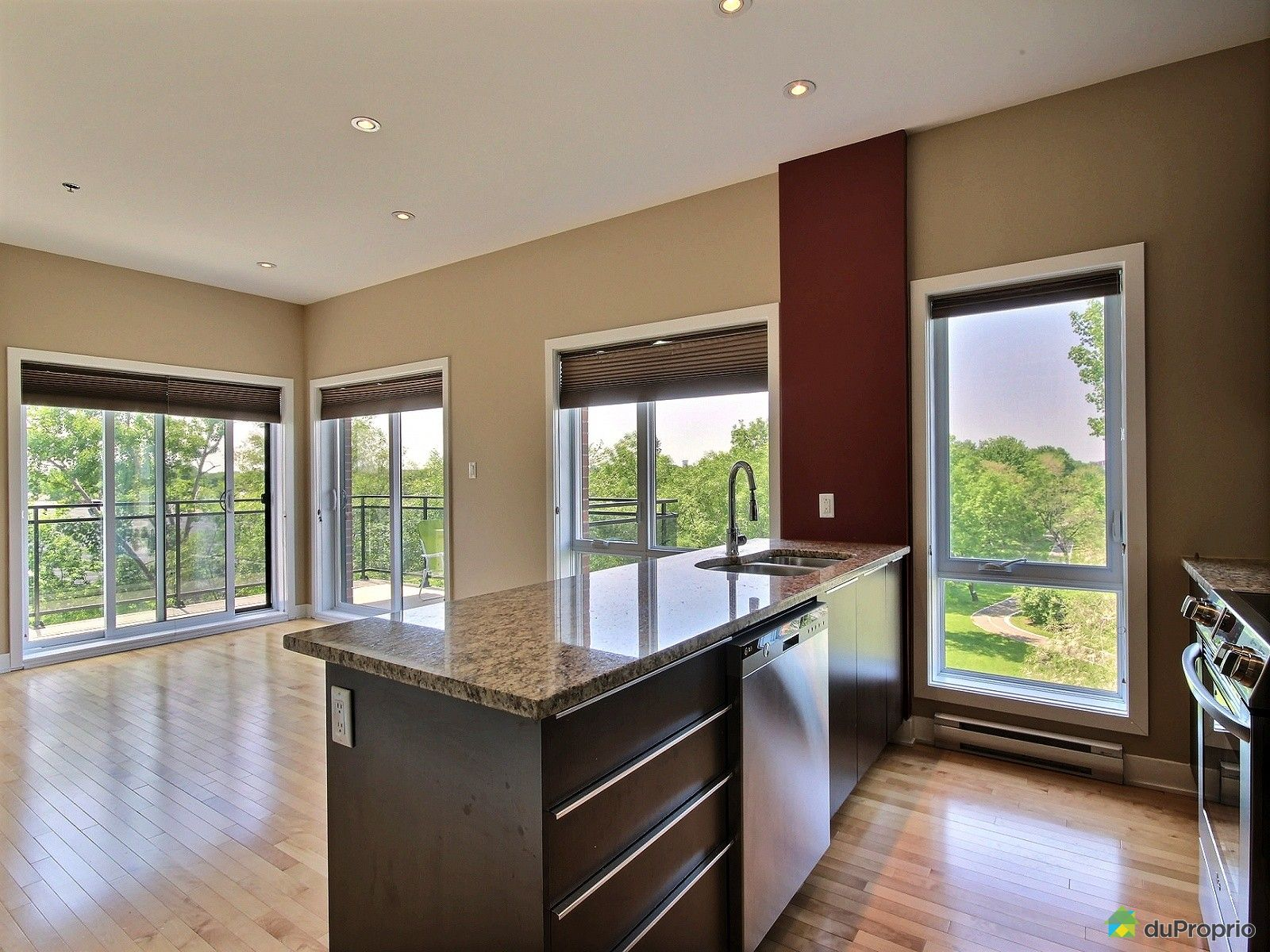 401 126 boulevard hymus pointe claire vendre duproprio for Ares cuisine pointe claire