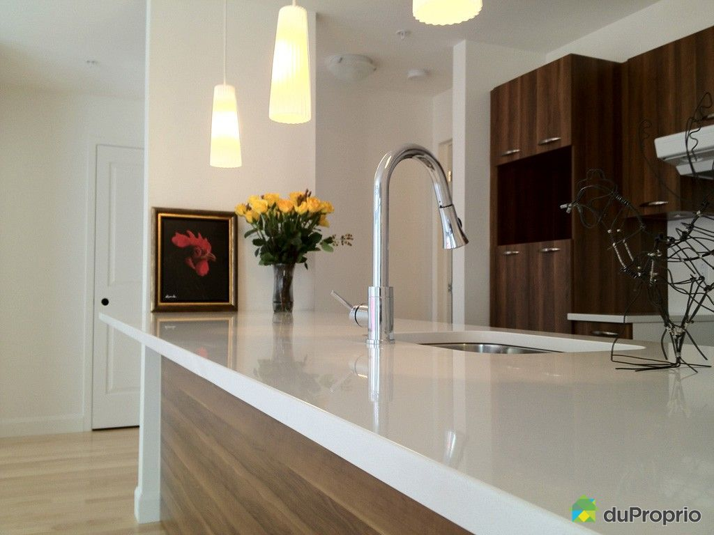 condo neuf vendu vieux qu bec immobilier qu bec duproprio 263245. Black Bedroom Furniture Sets. Home Design Ideas