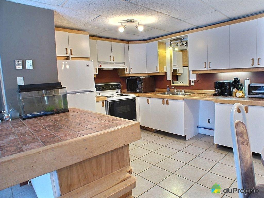Maison vendre ste brigitte de laval 19 place des for Ares cuisine centre laval