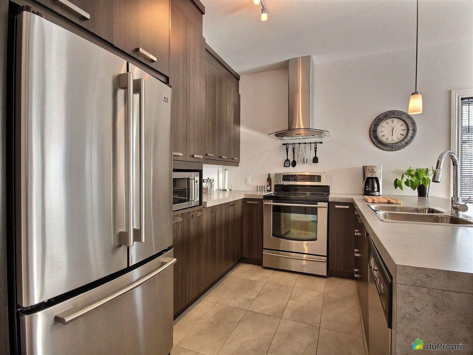Jumel vendu granby immobilier qu bec duproprio 663871 for Armoire cuisine granby
