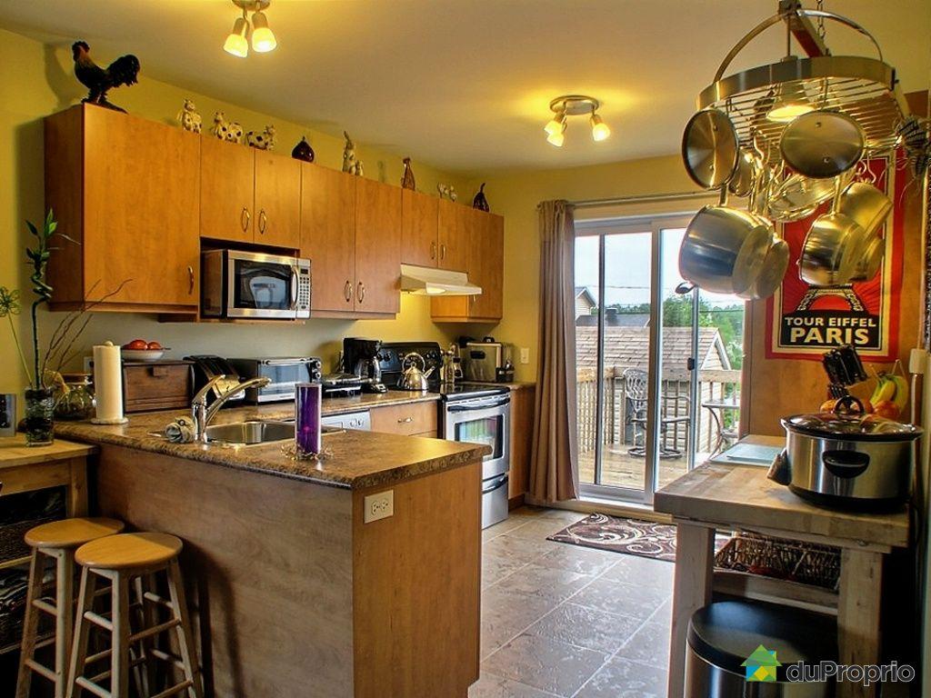 Jumel vendu sherbrooke immobilier qu bec duproprio for Equipement de cuisine sherbrooke