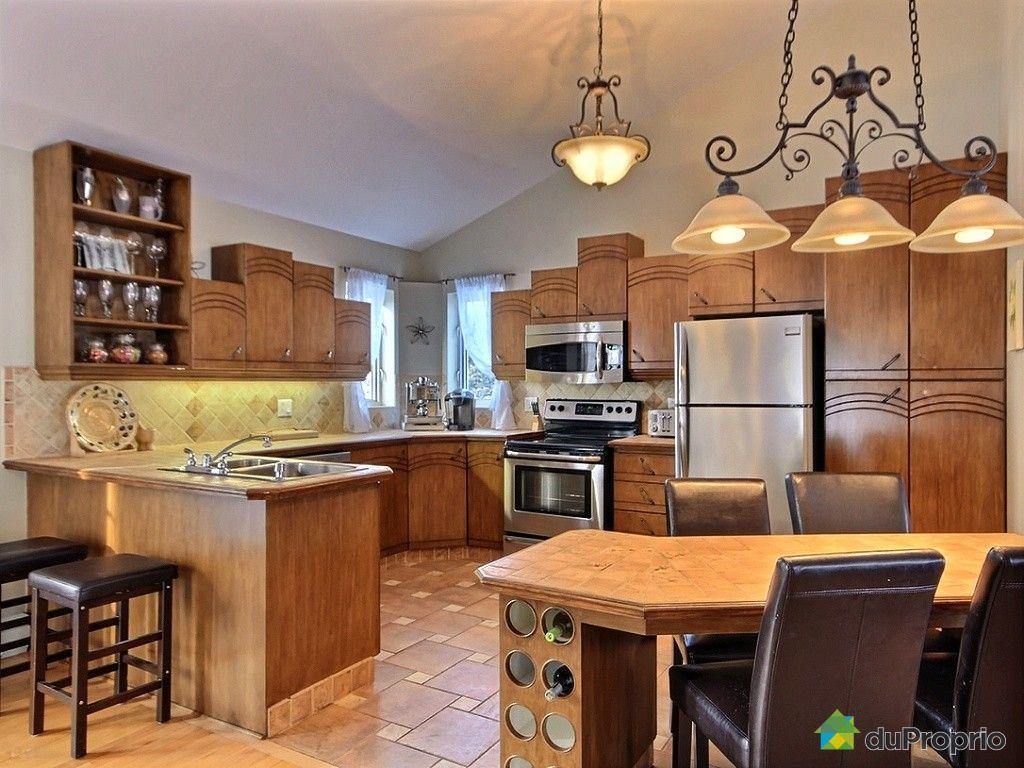 armoire armoire cuisine toit catdrale cuisine design et d coration photos. Black Bedroom Furniture Sets. Home Design Ideas