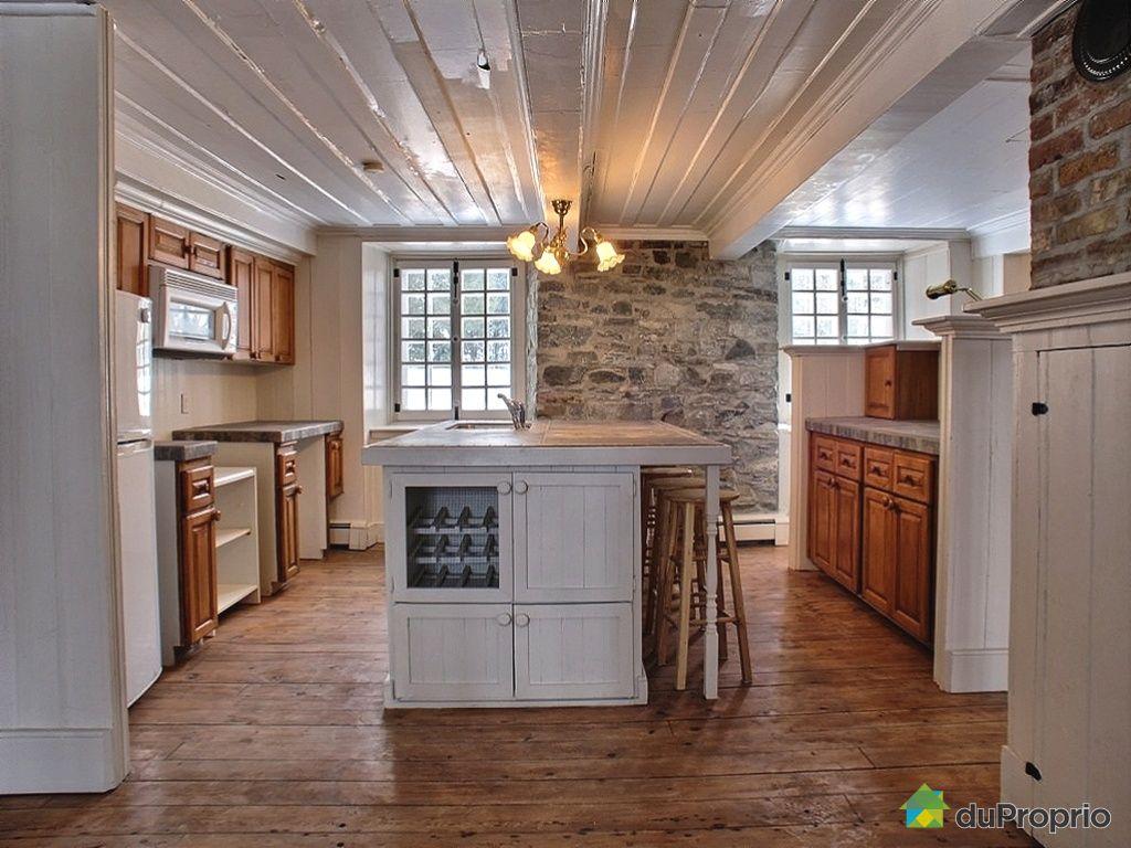 cool armoire cuisine a vendre chemin royal ile dorlans st laurent vendre duproprio with chemine. Black Bedroom Furniture Sets. Home Design Ideas