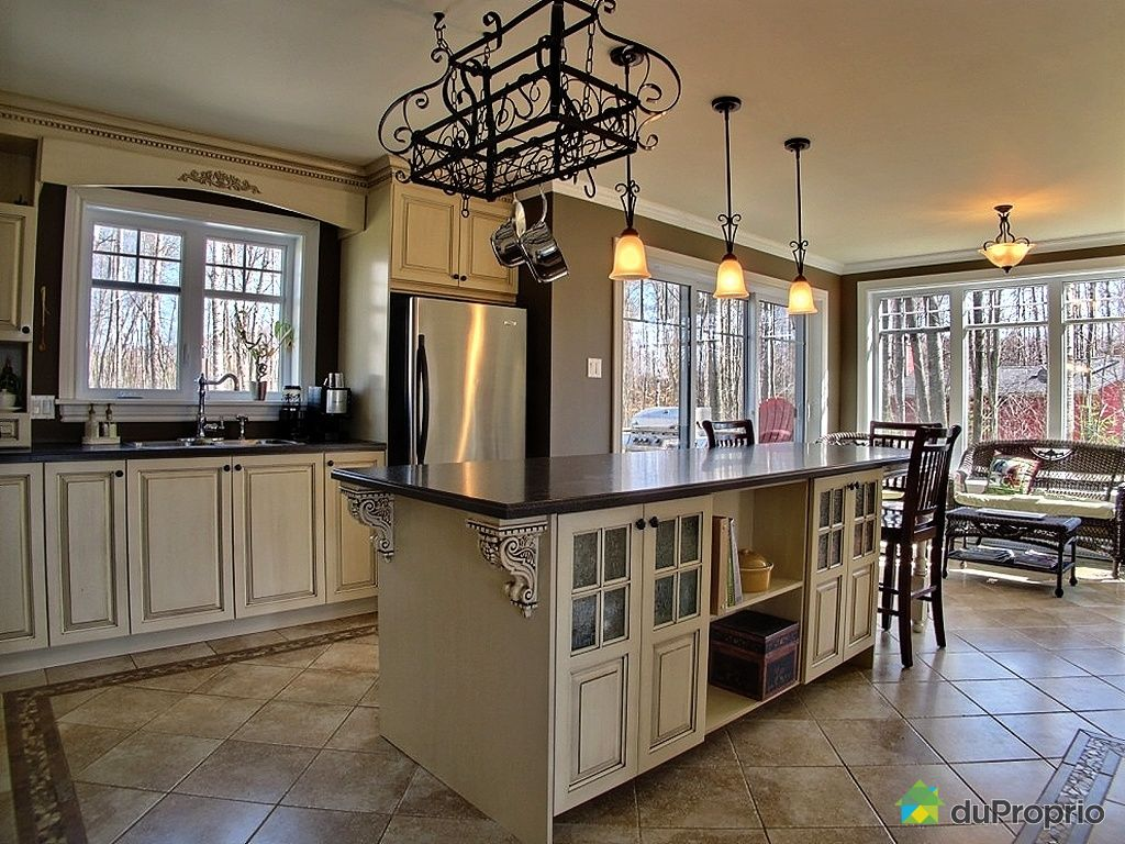 maison vendu bromont immobilier qu bec duproprio 366806. Black Bedroom Furniture Sets. Home Design Ideas